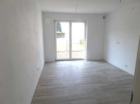 Neubau! Erstbezug! Schöne, helle 3 ZKB - Wohnung (W1) mit Gartenterrasse zu vermieten! in Etting
