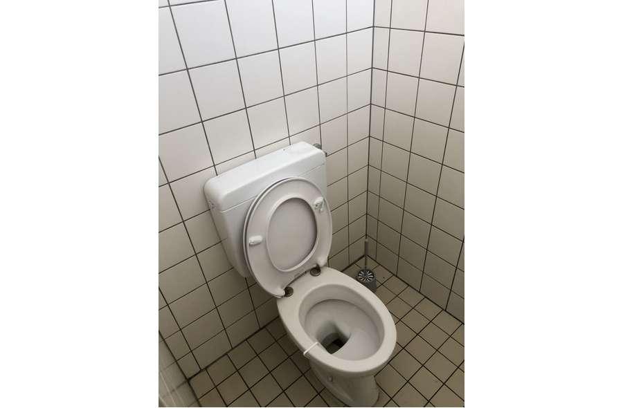 WC Tankstelle02