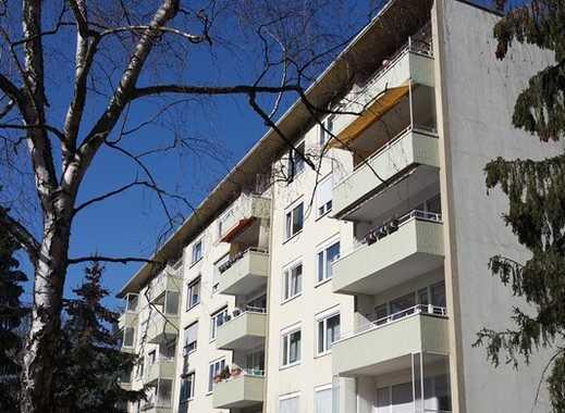 Sonnige Wohnung mit Aufzug und Balkon in zentraler Lage