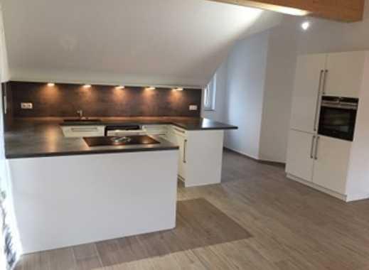 Exklusive 3-Zimmer-DG-Wohnung mit Balkon und EBK in Ismaning