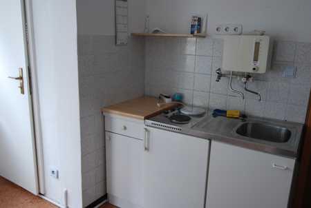 Für Wochenend-Heimfahrer: Kleine, möblierte Singlewohnung im Zentrum von Neustadt b. Coburg in Neustadt bei Coburg