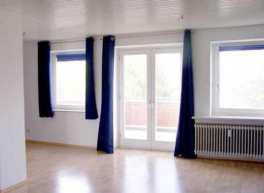 Exklusive Penthouse-Wohnung mit EBK, Dachterrasse, Schwimmbad + Saunanutzung, Stellplatz & Fernblick