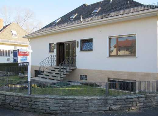 Jung & Kern Immobilien - Freistehendes Haus mit zwei abgeschlossenen Wohnungen