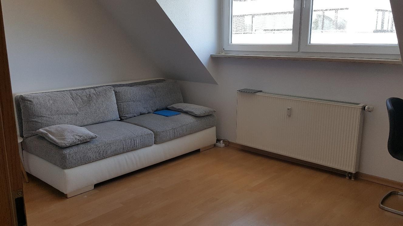 Schöne zwei Zimmer DG-Wohnung in Nürnberg, Maxfeld