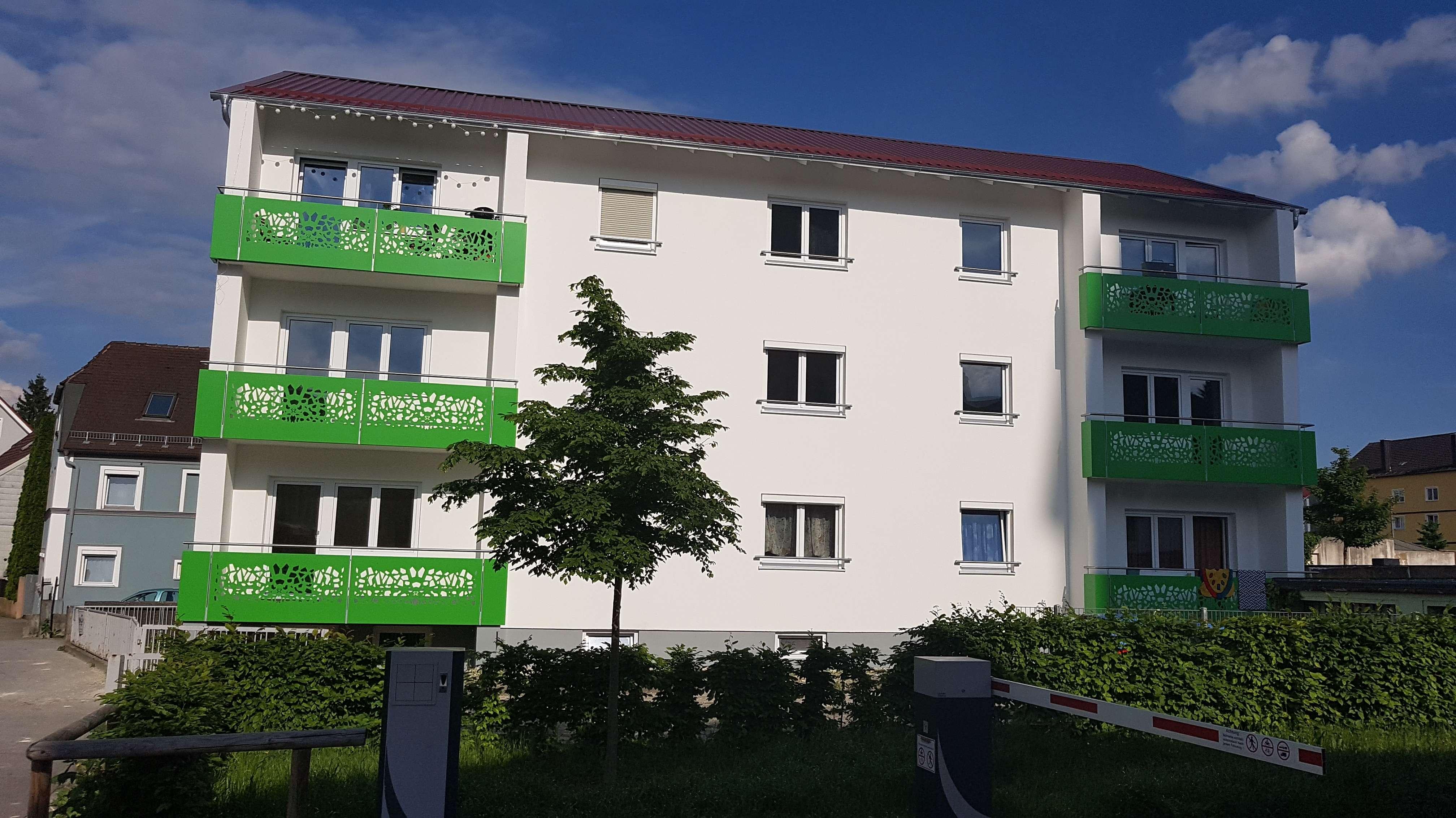 Wunderschöne, moderne 2-Zimmer-Wohnung in Straubing mit Balkon und Wohnküche in
