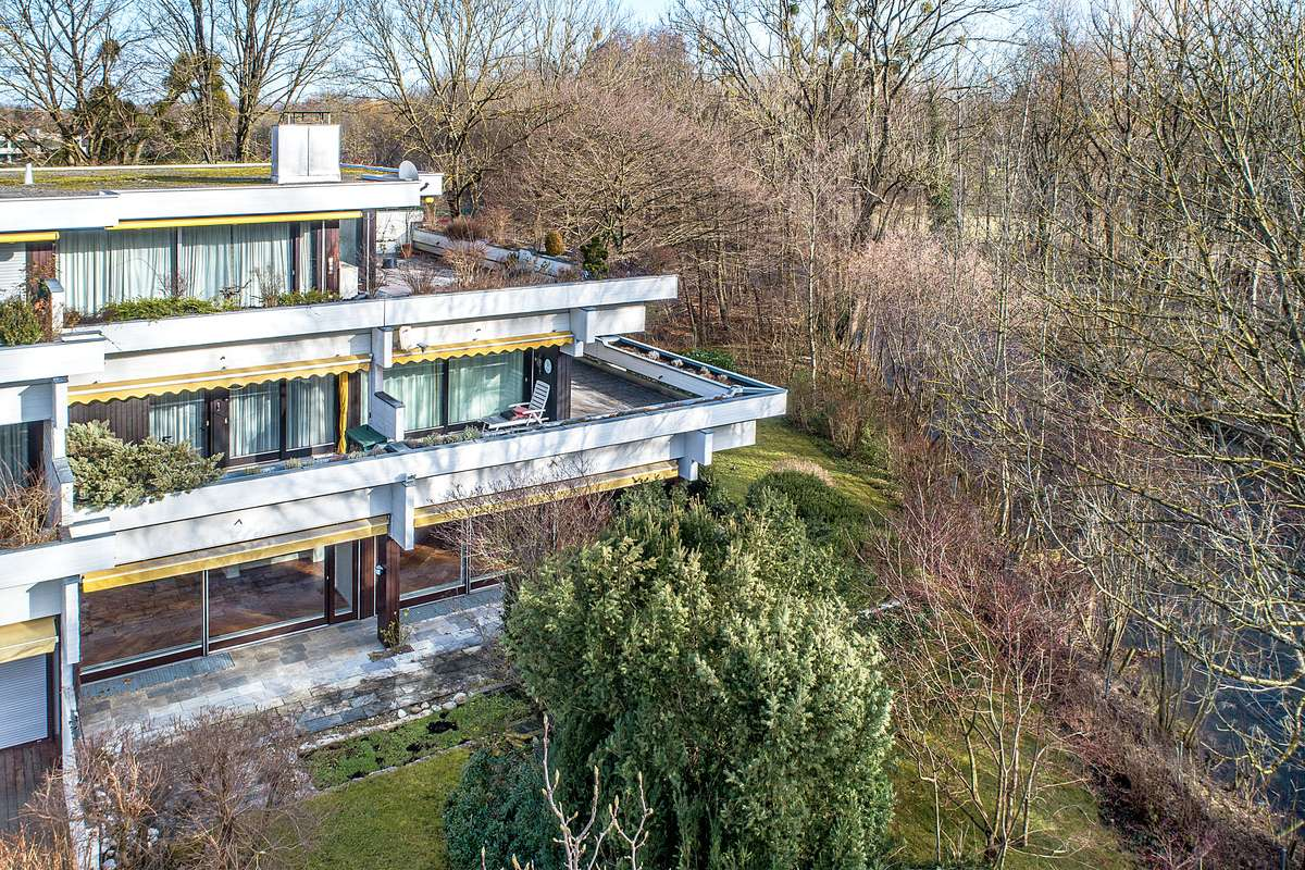 Äußerst großzügiges Wohnen direkt am Schwabinger Bach und Englischem Garten in
