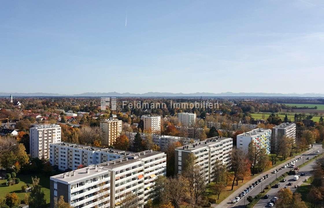 *Mit Alpenblick & Outdoor-Pool. Edel möbliertes Single-Appartement* in Solln (München)