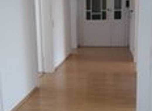 Vollständig renovierte 5-Zimmer-Wohnung mit Balkon in Hannover