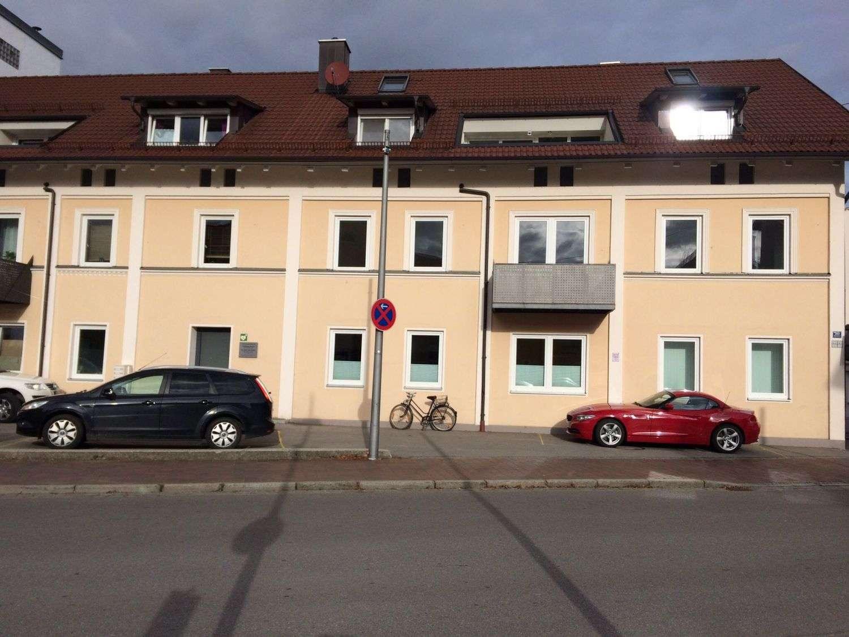 GIS IMMOBILIEN - große, helle Altbauwohnung! in Mainburg