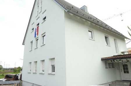 Grosse, helle, familienfreundliche 4-Zimmer-Wohnung mit Balkon und EBK in Landshut in Industriegebiet (Landshut)