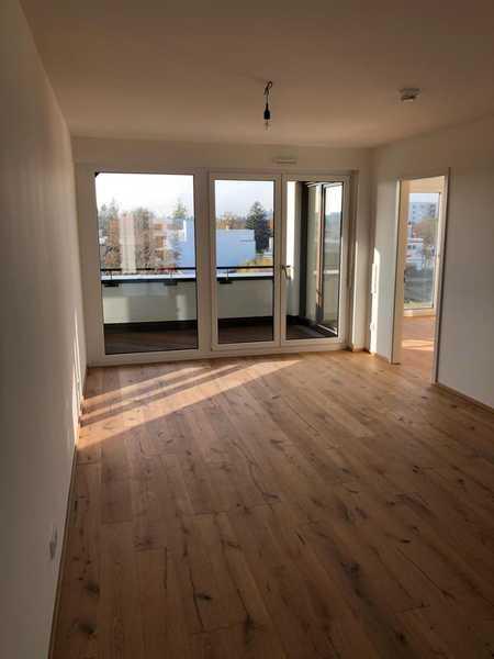 Erstbezug: schöne 4-Zimmer-Wohnung (3.OG/DG) mit Top-Einbauküche und Balkon in Obermenzing, München in Obermenzing (München)