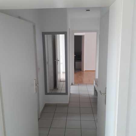 Helle 3 Zimmer-Wohnung mit Süd-West Balkon und EBK in Ingolstadt Süd-Ost, Stadtteil Ringsee in Südost (Ingolstadt)
