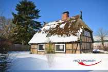Modernisierungsbedürftiges Reetdachhaus mit Charme