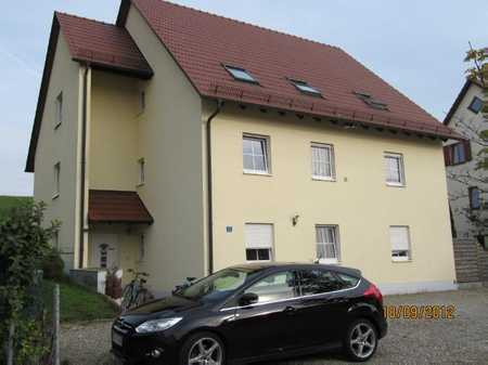 Gepflegte DG-Wohnung mit vier Zimmern sowie Balkon und EBK in Sinning Gemeinde Oberhausen in Oberhausen (Neuburg-Schrobenhausen)