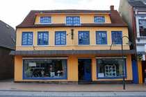 Bild Uriges Geschäftshaus von 1860 in der Husumer Innenstadt