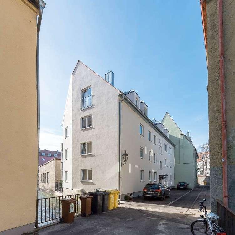 Erstbezug nach Sanierung mit Balkon: attraktive 3-Zimmer-Wohnung in Augsburg in Augsburg-Innenstadt