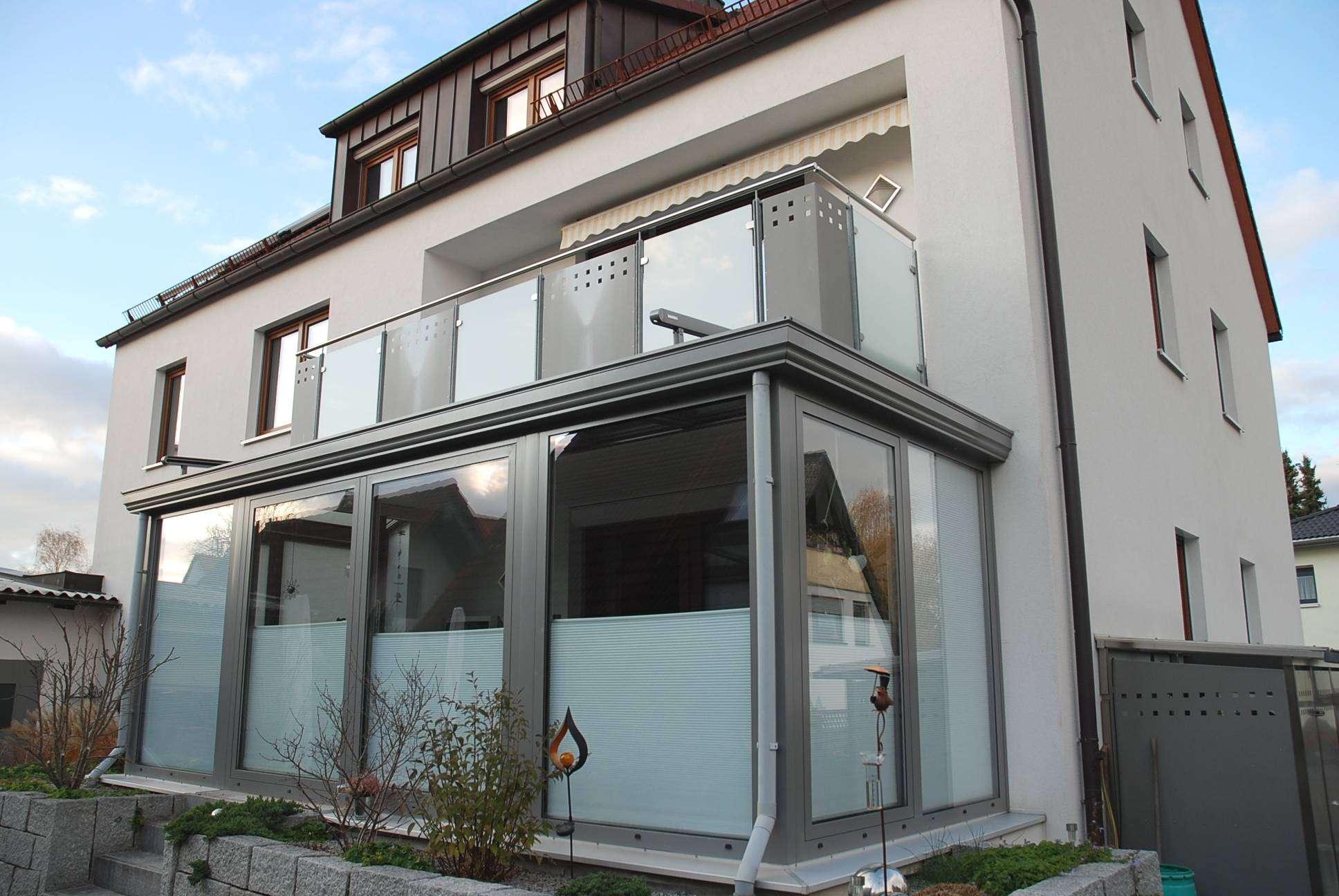 Ab sofort verfügbar:Tolle- frisch renovierte 4 Zimmerwohnung mit Balkon + EBK.+ Garage in N.-Boxdorf in Boxdorf (Nürnberg)