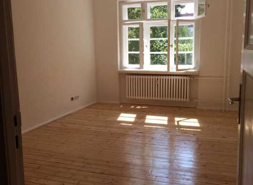 Sonnige 2,5-Zimmer-Altbau-Wohnung in der Nähe des Schäfersees- neue Küche gegen Abschlag übernehmen!