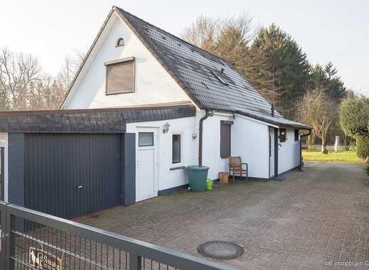 Charmantes Einfamilienhaus mit Einliegerwohnung in begehrter Lage von Schenefeld Dorf!