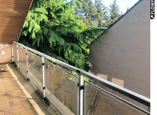Großzügig - gemütlich -  mit Balkon -  in perfekter Lage!