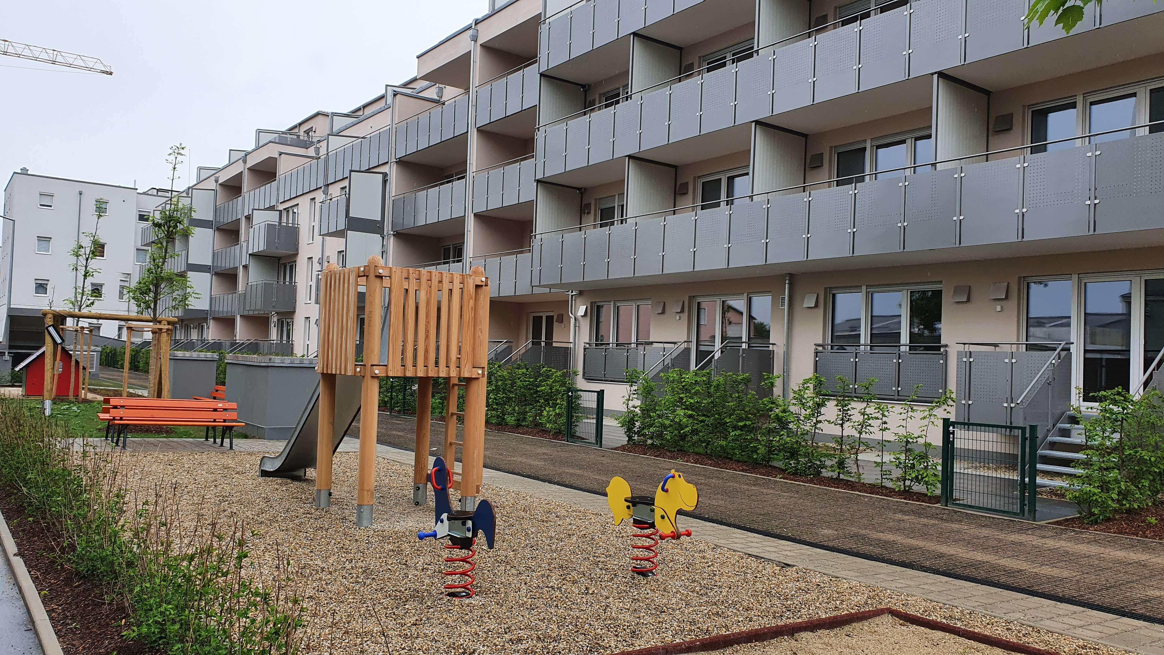 Erstbezug mit Balkon: moderne 1-Zimmer-Wohnung mit Balkon in Regensburg in
