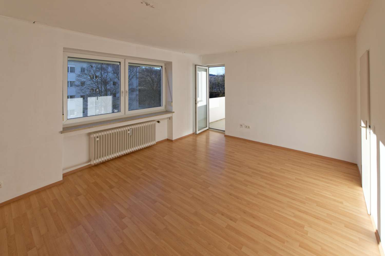 3,5-Zimmer-Wohnung mit 2 Balkonen in Landshut, Piusviertel in West (Landshut)