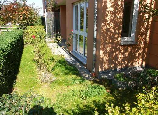 Langjährig vermietete 2-Raumwohnung mit Terrasse und Tiefgaragenstellplatz in idyllischer Wohnanlage