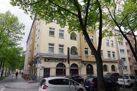 generalsanierte 3-Zimmer-Dachgeschosswohung in Neuhausen (München)