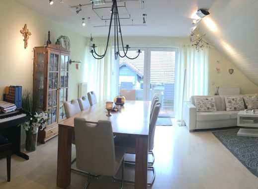 Modernisierte 3-Zimmer-DG-Wohnung mit Balkon und Einbauküche in Netphen
