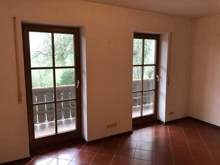 3 Zimmer Wohnung mit schönem großem Südbalkon in Schonstett