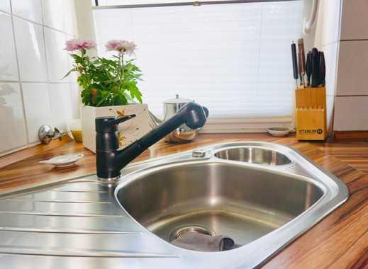 Auch zum Vermieten! Schöne DG-Wohnung, modernes Bad, mit Küche & Klimaanlage!