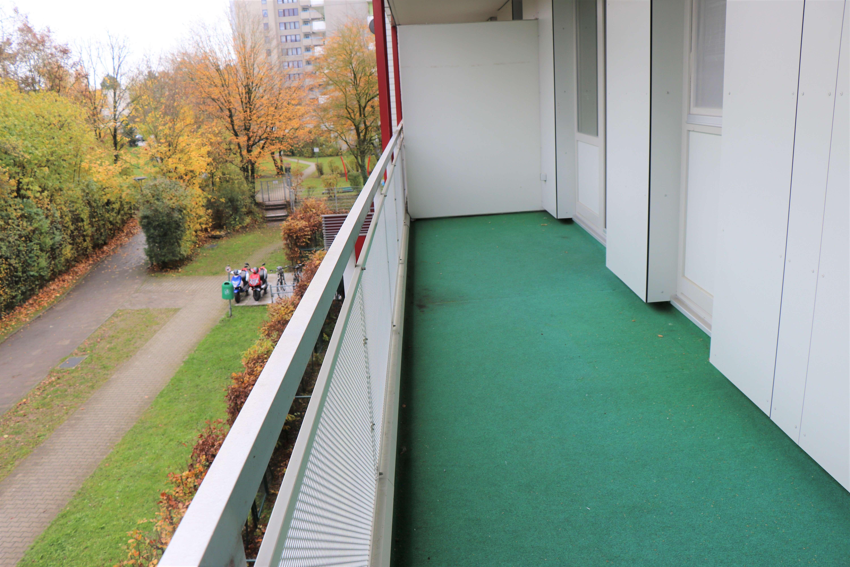 Exklusive, 3-Zimmer-Wohnung mit zwei Balkone und Einbauküche in Solln, München in Solln (München)