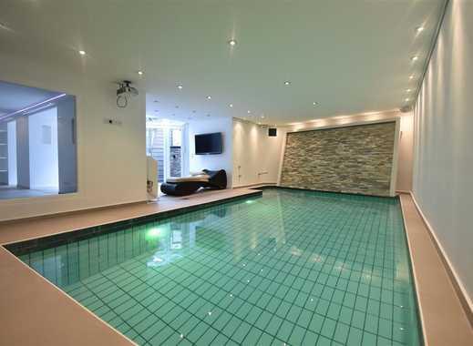 Exklusives Wohnen! Möblierte Maisonette-Wohnung mit Schwimmbad