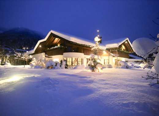 *JUWEL DER EXTRAKLASSE!*Luxus-Villa mit Indoor-Pool in exponierter Lage & fantastischem Bergblick*
