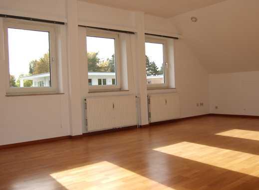 Komplett ausgestattete 3-Zimmer-Dachgeschosswohnung  in Schnelsen, Hamburg