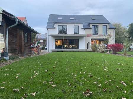 NEU**ERSTBEZUG** idyllisch gelegene Penthouse-/Maisonettewohnung in Reckmühle bei Allershausen in Allershausen