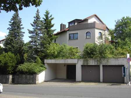 Freundliche 4-Raum-Erdgeschosswohnung mit EBK und Terasse in Würzburg in Lengfeld