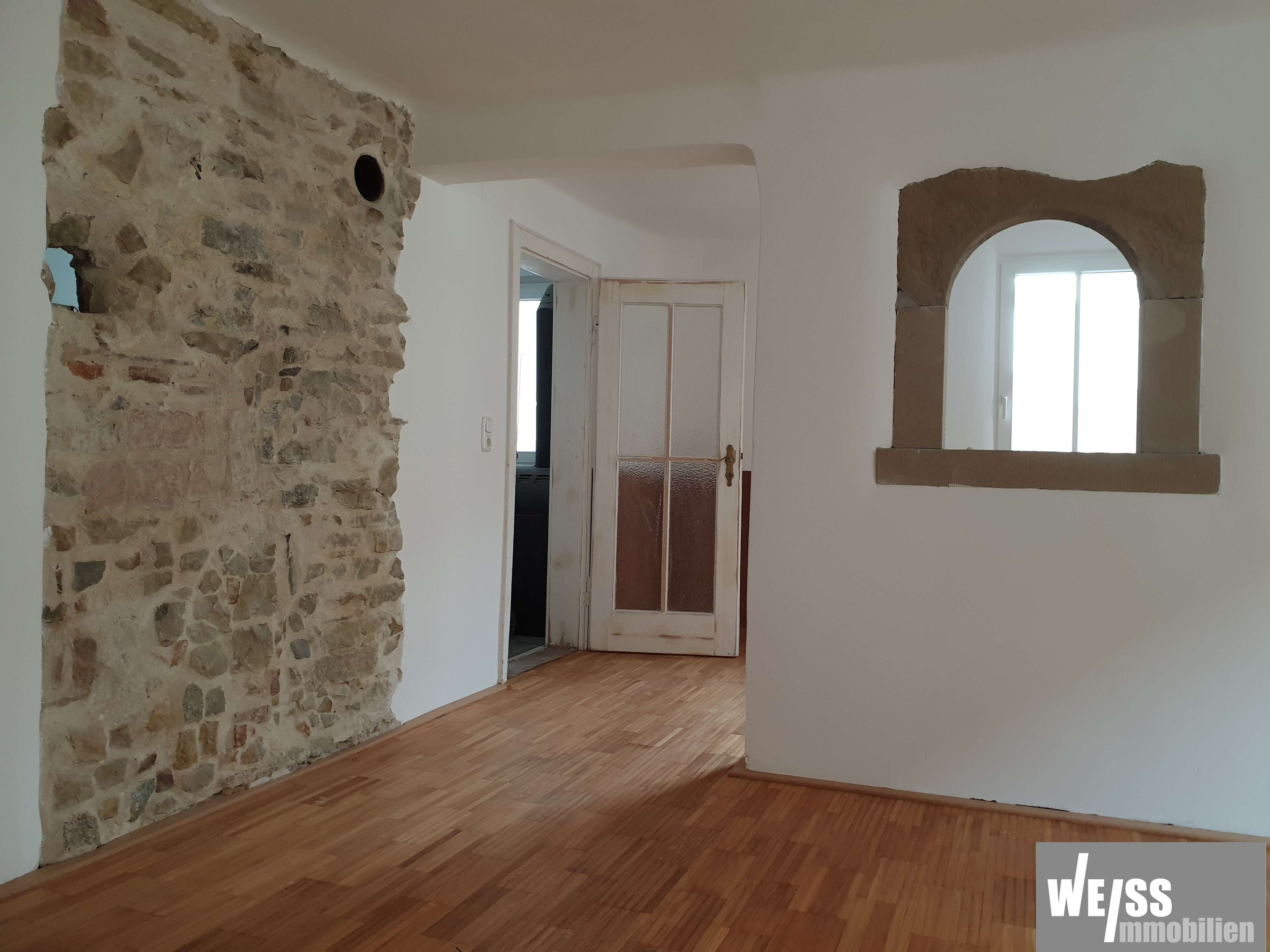 Liebenswerte 4 Zi.-Whg. in einem historischen Haus mit modernen Wohnträumen!