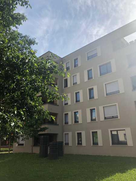 Moderne, sehr schön ausgestattete 3-Zimmer-Wohnung inkl. Einbauküche und Loggia in Augsburg-Innenstadt