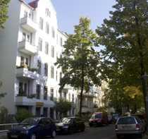 Bild 2-Zimmer-Altbauwohnung mit Balkon - Kapitalanlage