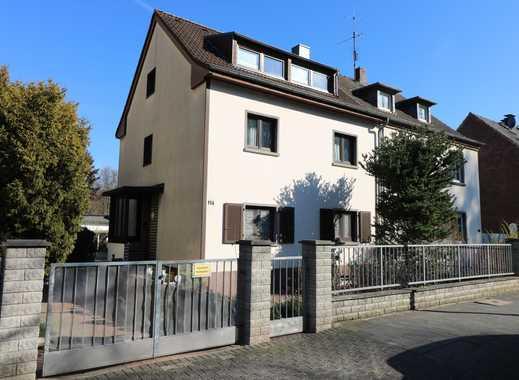 3-Parteienhaus mit Garage am Elbroichpark in ruhiger Lage von Düsseldorf-Holthausen