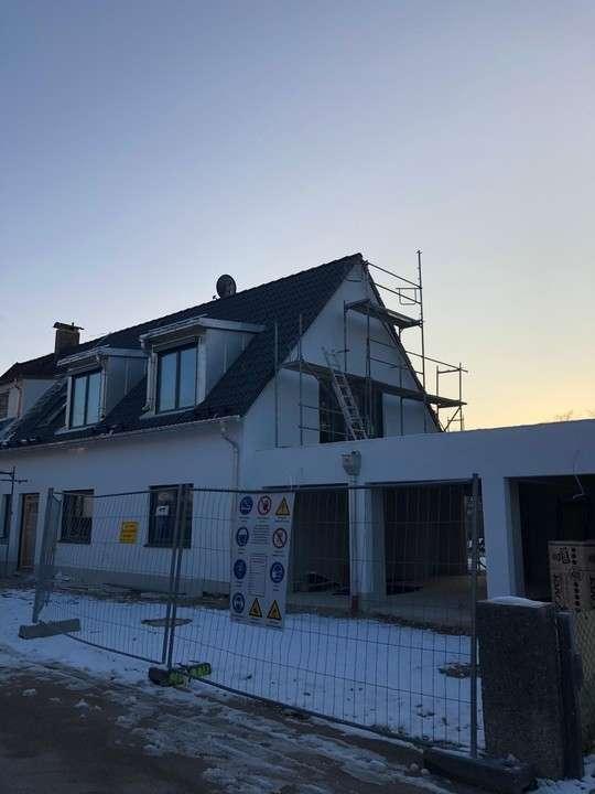 **NEUBAU ERSTBEZUG** Lichtdurchflutetes, modernes 1-Zimmer-DG-App. in Germering  in Germering (Fürstenfeldbruck)