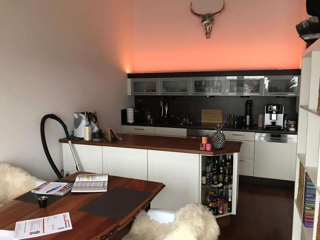 Schöne 2-Zimmer-Wohnung mit Balkon und EBK in Altdorf in