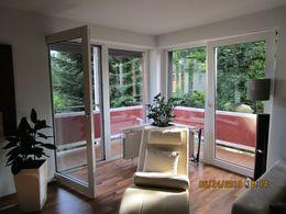 Wohnzimmer mit Eckbalkon