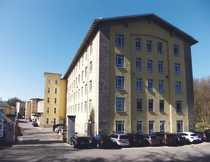 Modernes Büro eingebettet in Industriebau