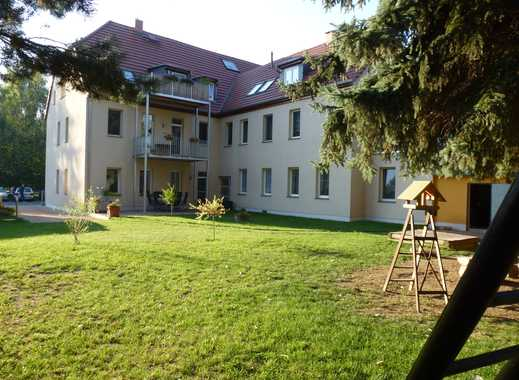 Günstige, neuwertige 4-Zimmer-Wohnung mit Balkon in Lucka