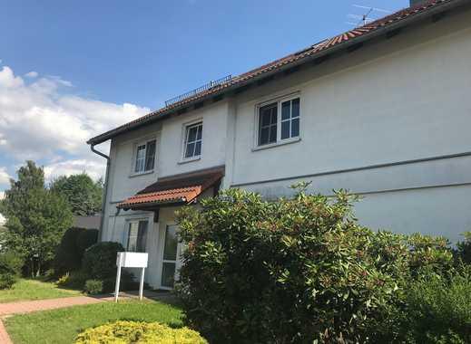 Schöne Wohnung sucht nette Familie, 3 RWE mit Balkon und STPL in Ebersbrunn