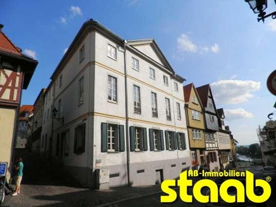 1-ZIMMER-ALTBAUWOHUNG IM HERZEN DER ALTSTADT! in Stadtmitte (Aschaffenburg)