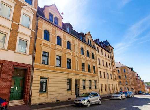 Hoch hinaus! Renovierte 2-Raum-Dachgeschosswohnung im beliebten Dichterviertel