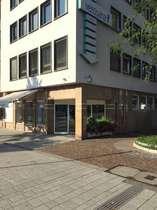 Verkaufs-, Laden- oder Bürofläche mit sehr guter Sichtbarkeit und Stellplätzen an der Allee !!!